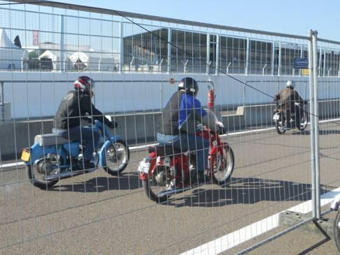 Quelques motos Terrot en piste dans Terrot image001