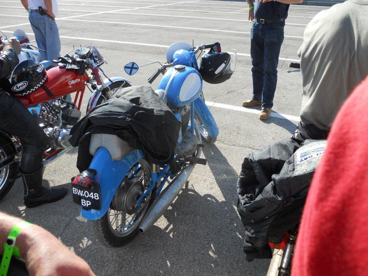 image002 quelques-motos-terrot-en-piste dans Terrot